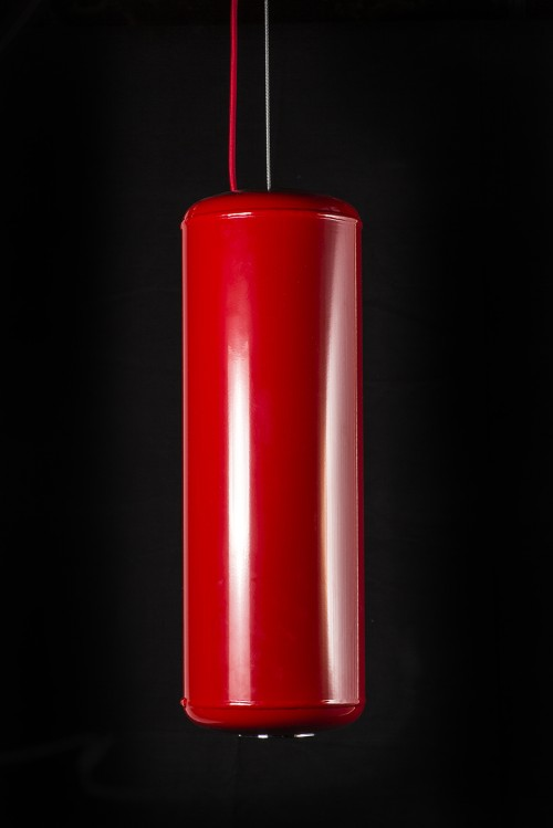 Suspension pop et design rouge par ROVT